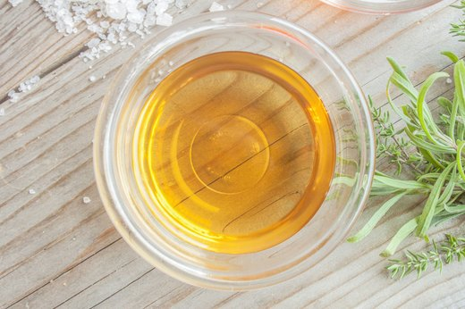 4. Apple Cider Vinegar Bath