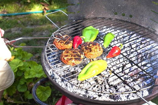 Food-Safety Tip #6: Grill Safer Steaks and Burgers