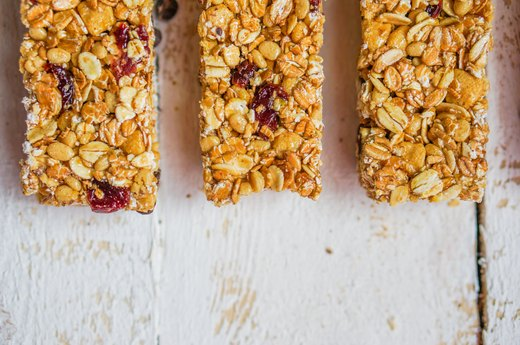 The Best Breakfast Bars to Grab When You're Crazy-Busy