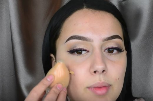 2. Wrapping a Makeup Sponge in a Condom