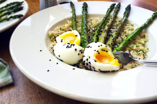 4. Eggs and Grilled Asparagus Over Scallion Rice