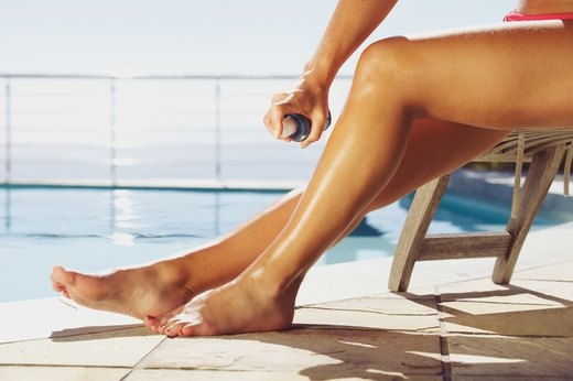 32. SUNSCREENS TO AVOID: Sprays and Powders