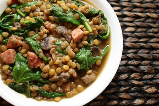 4. Lentils (1/2 cup = 9 grams of protein)
