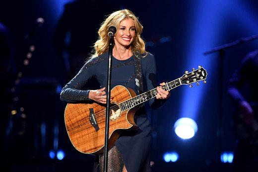 Faith Hill Swears by These 7 Healthy-Eating Tricks